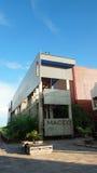 Vista da construção do centro cultural Orellana MACCO do museu arqueológico na margem da cidade da coca Fotos de Stock
