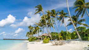 Vista da costa da ilha do irufushi, maldives imagem de stock royalty free