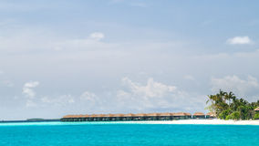 Vista da costa da ilha do irufushi, maldives foto de stock royalty free