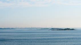 Vista da costa de Tallinn do Golfo da Finlândia fotos de stock royalty free