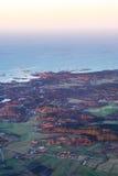 Vista da costa do mar do norte da Suécia, opinião 2 dos aviões foto de stock