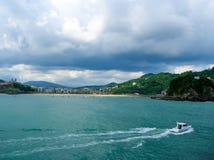 Vista da costa do mar em San Sebastian imagem de stock