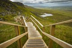 Vista da escadaria ao céu na montanha de Cuilcagh imagem de stock royalty free