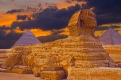 Vista da esfinge o platô de Egito, Giza no Sahara imagens de stock