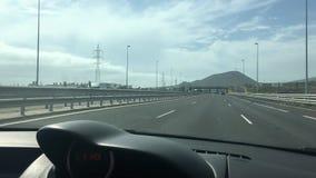Vista da estrada ao conduzir vídeos de arquivo