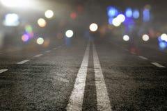 Vista da estrada asfaltada na noite Fotografia de Stock