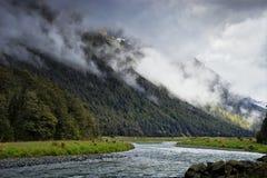 Vista da estrada a Milford Sound Foto de Stock Royalty Free