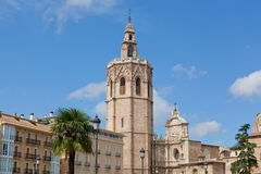 Vista da fachada da igreja da catedral Fotos de Stock