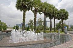 Vista da fonte em Marina Barrage imagens de stock