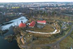 Vista da fortaleza de Korela e da cidade da fotografia a?rea de Priozersk Regi?o de Leninegrado fotos de stock royalty free