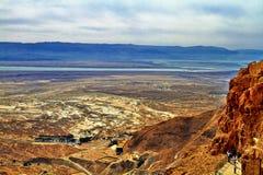Vista da fortaleza de Masada, Israel É uma fortificação antiga no distrito do sul de Israel foto de stock