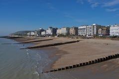 Vista da frente marítima de Eastbourne imagens de stock royalty free