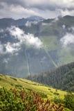 Vista da Grzes in alta montagna ai percorsi nella foresta Fotografia Stock Libera da Diritti