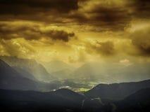 Vista da Herzogstand alle nuvole di tempesta scure Immagini Stock Libere da Diritti