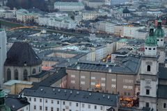 Vista da Hohensalzburg su Salisburgo fotografia stock
