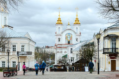 Vista da igreja de Voskresenskaya (Rynkovaya), rua de Suvorov, Viteb Fotografia de Stock