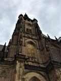Vista da igreja medieval católica imagens de stock