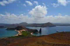 Vista da ilha de Bartolome Fotos de Stock