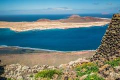 Vista da ilha de Graciosa de Mirador del Rio, ilha de Lanzarote, Imagens de Stock