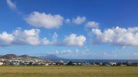 Vista da ilha de Saint Kitts do aeroporto Foto de Stock