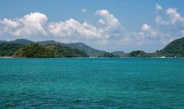 Vista da ilha tropical do mar foto de stock