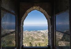 Vista da janela de Saint Hilarion Castle em Kyrenia, Chipre do norte Fotos de Stock Royalty Free