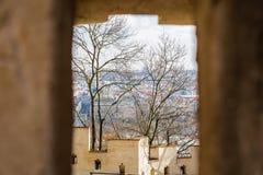 Vista da janela da fortaleza a Praga imagem de stock royalty free