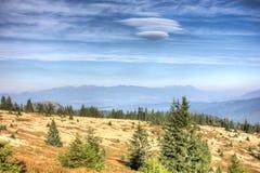 Vista da maggior Fatra alle alte montagne di Tatras - Slovacchia Immagine Stock