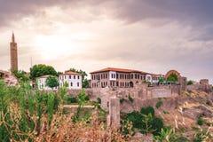Vista da mesquita de Hazreti Suleyman e do museu arqueológico de Diyarbakir fotografia de stock