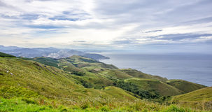 Vista da montagem Jaizkibel em Guipuzcoa, Spain Fotografia de Stock Royalty Free
