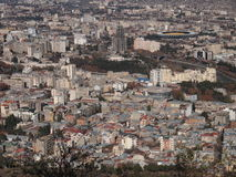 Vista da montagem Mtatsminda sobre Tbilisi (Geórgia) Imagem de Stock Royalty Free