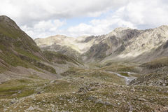 A vista da montanha alta repica em Tirol, Áustria. Imagens de Stock