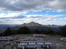 Vista da montanha de Mashuk para montar Beshtau Rússia imagem de stock royalty free