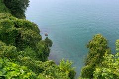 Vista da montanha Vista do mar imagens de stock royalty free