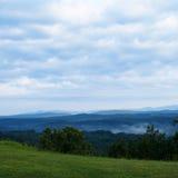 Vista da montanha enevoada Imagem de Stock Royalty Free