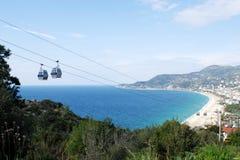 Vista da montanha na praia do ` s de Cleopatra em Alanya Turquia Foto de Stock