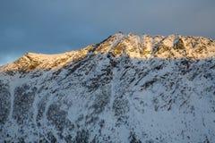Vista da montanha Stauren em Gryllefjord Imagem de Stock