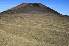 Montanha vulcânica no parque nacional de Timanfaya, ilha de Lanzarote, Imagens de Stock Royalty Free
