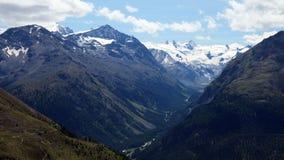 Vista da Muottas Muragl (Engadin, Svizzera) verso Val Roseg Fotografia Stock Libera da Diritti