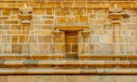 Vista da parede do templo hindu, Kumbakonam, TN, Índia 15 de dezembro de 2016 Imagem de Stock