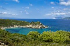 Vista da parte superior da praia de Krifi Amos na ilha da SK Fotografia de Stock Royalty Free