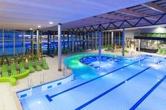Vista da parte superior de uma piscina nova com gree Foto de Stock Royalty Free