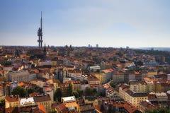 Vista da parte superior do memorial de Vitkov na paisagem de Praga em um dia ensolarado fotografia de stock