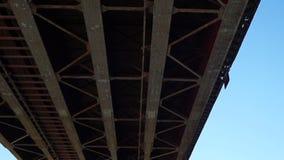 Vista da ponte abaixo video estoque