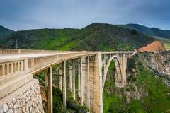 Vista da ponte da angra de Bixby, em Big Sur, Califórnia foto de stock