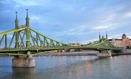 Vista da ponte da liberdade em Budapest, Hungria Fotografia de Stock Royalty Free
