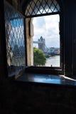 Vista da ponte da torre da torre de Londres Inglaterra Reino Unido Foto de Stock Royalty Free