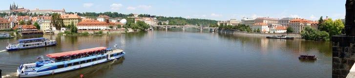 Vista da ponte de Charles - Praga Fotos de Stock Royalty Free