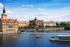Vista da ponte de Charles. Praga imagens de stock royalty free