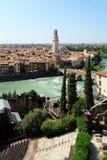 Vista da ponte de Ponte em Verona no rio de Adige Imagem de Stock